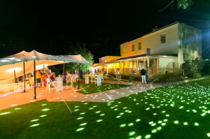 house-garden-outside-night-1